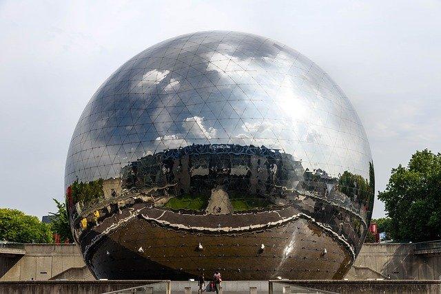 La Geode in Parijs